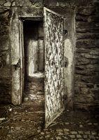 dveře špýcharu